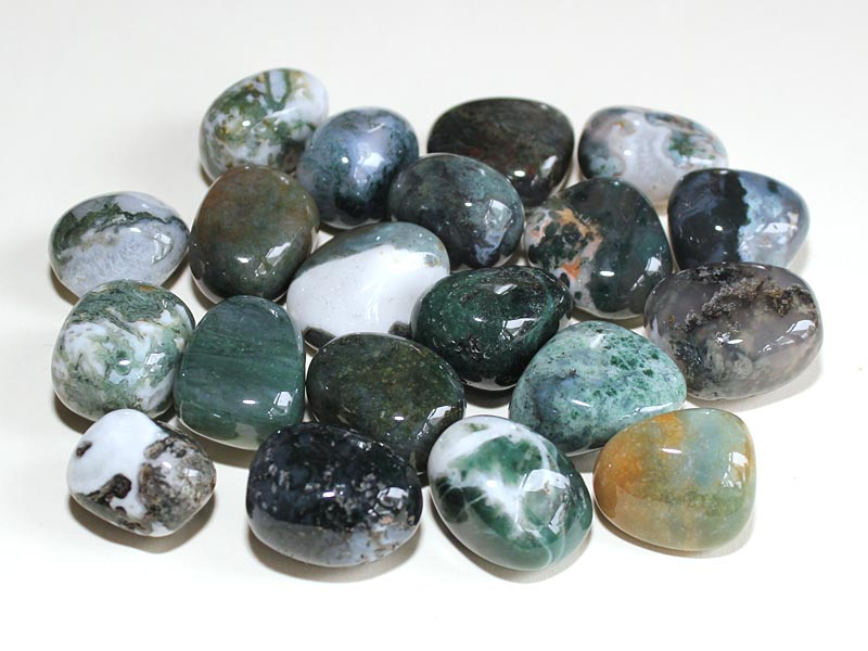 Highly polished Agate Moss tumble stone size 2-3 cm.