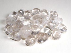 Highly polished Quartz tumble stone size 2-3 cm.