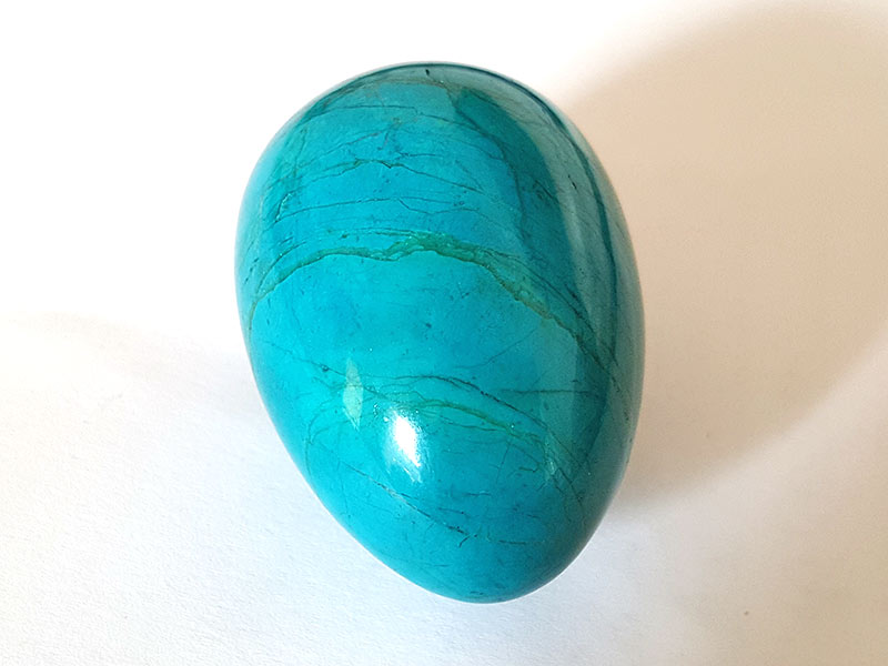 Highly polished Howlite Chrysocolla egg approx height 45 mm.