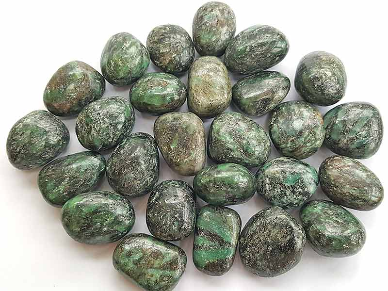 Highly polished Mica Green Chromium tumble stone size 20-30 mm.