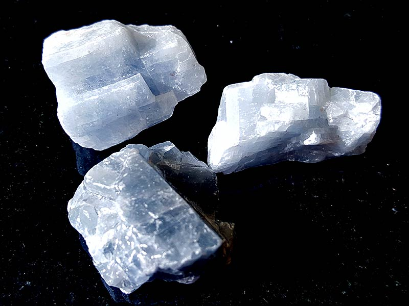 Blue Calcite approximately 20 - 30 mm Being a natural product the crystal may have natural blemishes and vary in colour. www.naturalhealingshop.co.uk based in Nuneaton for crystals, spiritual healing, meditation, relaxation, spiritual development,workshops.