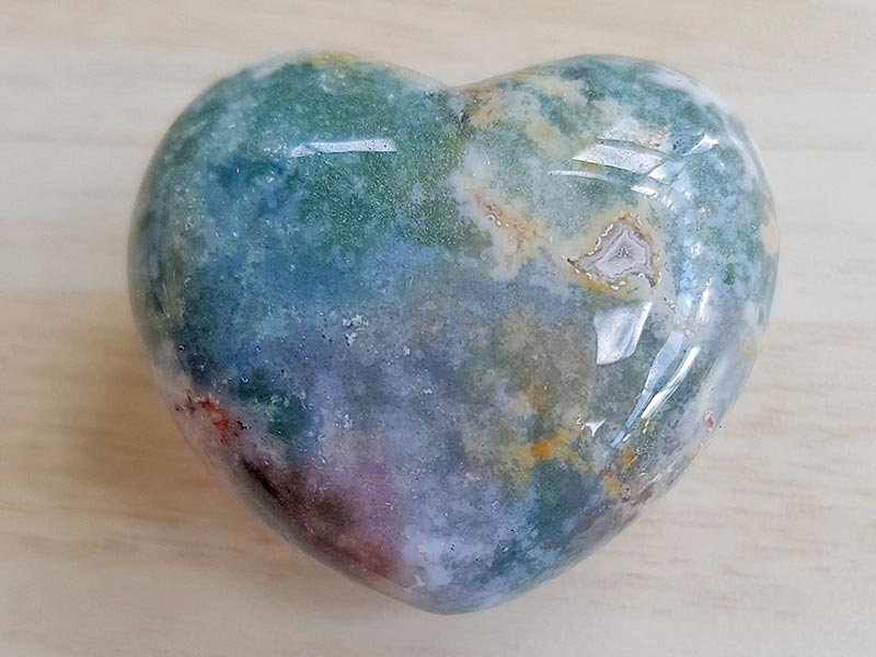 Highly polished Agate Heart approx 45 mm. These hearts are perfect for a gift! There are purple velvet pouches or organza bags you can purchase to pop them into for the finishing touch. Being a natural product these stones may have natural blemishes and vary in colour and banding. www.naturalhealingshop.co.uk based in Nuneaton for crystals, spiritual healing, meditation, relaxation, spiritual development,workshops.
