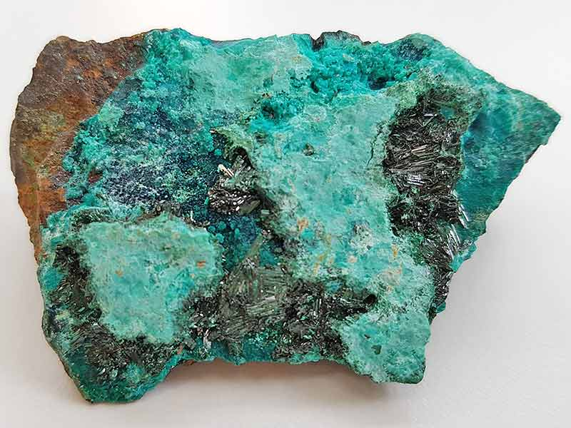 Atacamite approx size 60 x 35 mm Being a natural product this crystal may have natural blemishes. www.naturalhealingshop.co.uk based in Nuneaton for crystals, spiritual healing, meditation, relaxation, spiritual development,workshops.