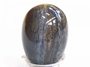 Highly polished Sardonyx egg approximate height 45 mm. Beautiful to collect or hold and meditate with. Being a natural product these stones may have natural blemishes and vary in colour and banding. www.naturalhealingshop.co.uk based in Nuneaton for crystals, spiritual healing, meditation, relaxation, spiritual development,workshops.